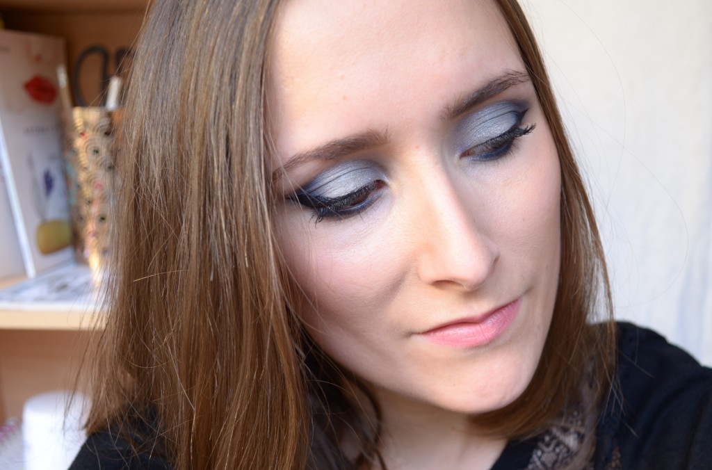 maquillage-bleu-voile-hiver