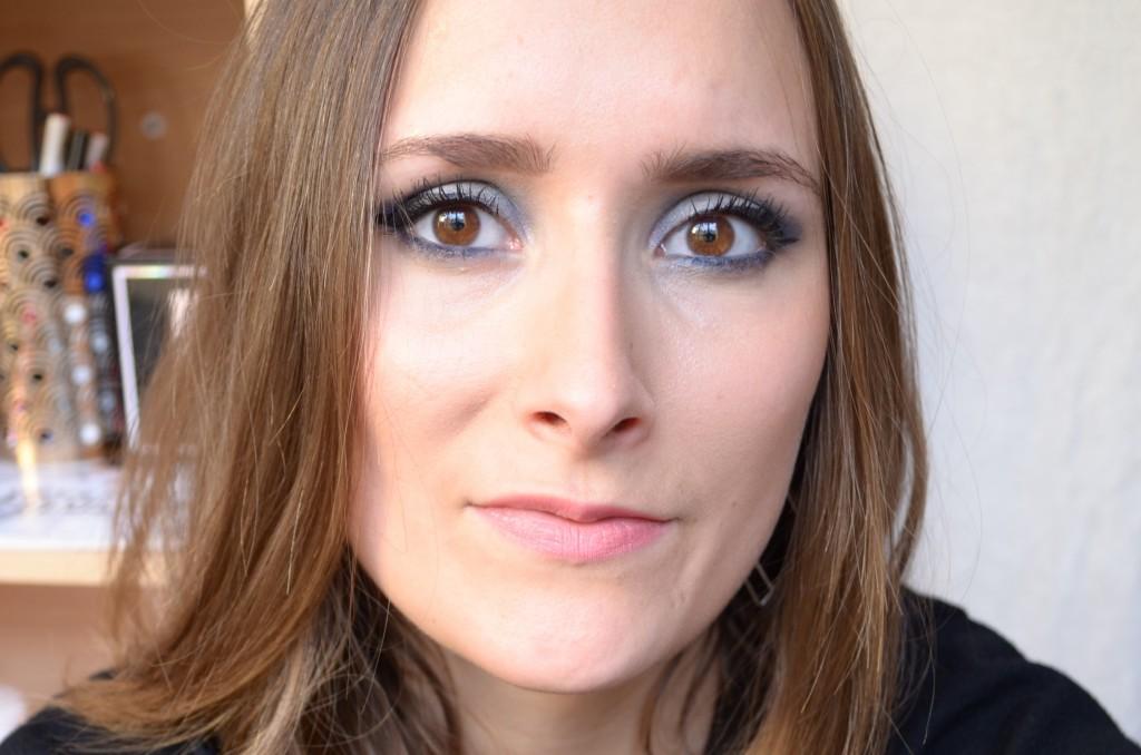 maquillage-bleu-voile-hiver