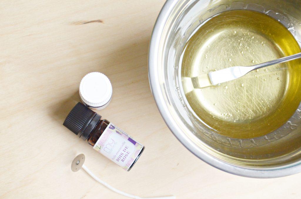Recette de bougie de massage à l'huile essentielle de bois de hô