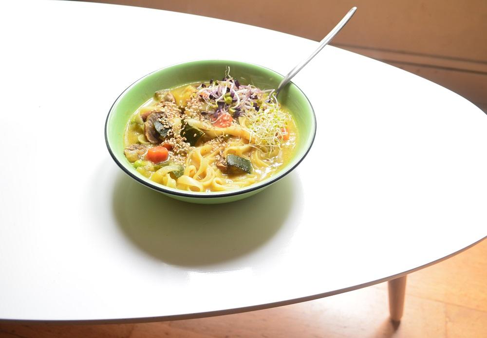 Soupe de nouilles curry coco façon khao soi