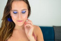 Maquillage bio inspiration bleu majorelle avec Nuoo